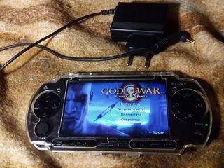 Продам Sony PSP в хорошем состоянии плюс чехол ,флэшка 8 гб с 18 разными играми - 900 лей