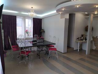 Сдается шикарный дом посуточно ( 5 спален) 169 евро!