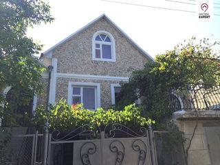 Casa noua din piatra, cu 2 nivele, euroreparatie, Dumbrava