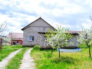Proprietar-Vand casa in apropiere de Valea Morilor.