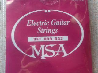 струны новые для электро и акустической гитары !