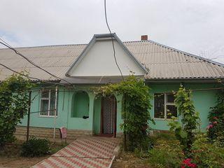 г.Кахул, р-н больницы, дом, 4 комнаты, евроремонт, 14 соток земли