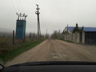 Vând teren pentru construcții în Ciorescu