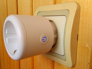 Умная Wi-Fi розетка на 3500W с счетчиком потребления