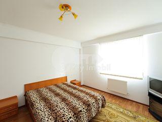 Apartament cu 3 camere, str. M. Sadoveanu, Ciocana, 72000 € !