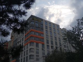 Se vinde Apartment cu 1odaie  Geamuri Panoramice!!  Park!!