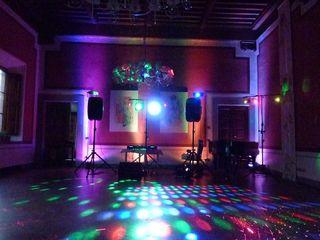 Dj+tamada+efecte lumini la nunti, cumetrii si alte evenimente de la 50 euro !