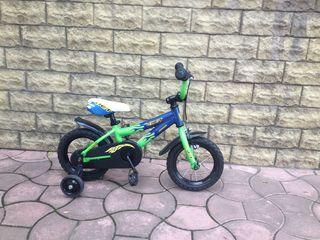 Продам велосипедик Author от 2 до 5 лет . Размер колес 12.