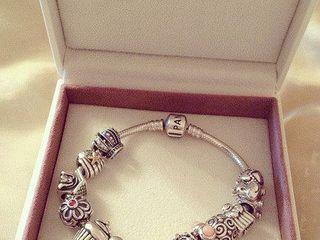 Браслеты Pandora серьги Dior в подарок