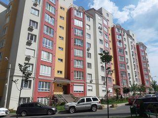 Se vinde apartament cu 4 camere separate, bloc nou, încălzire autonomă, reparație euro, Centru!