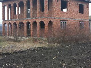 Se vinde casa cu 2 nivele,15km de la Balti. Grinauti,r.Riscani.