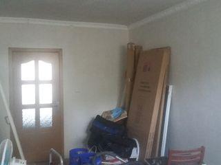 Продаётся 3-х комнатная квартира в городе Чадыр-Лунга район совхоз с пристройкой торг уместен
