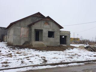 Se vinde casa la Suruceni