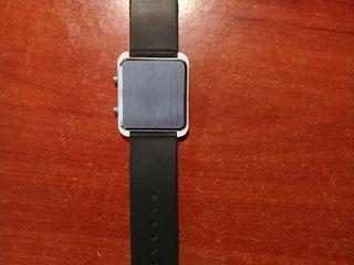 Бинарные часы продам стоимость часы carrera calibre 17