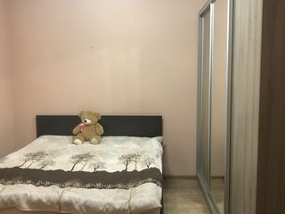 Am încercat să-mi caut colegă de apartament în București și am dat de bărbați puși pe agățat