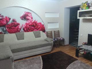 3 camere cu mobila