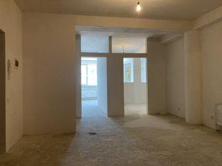 De vinzare apartament cu 3 odai, varianta alba, Centru, Cahul