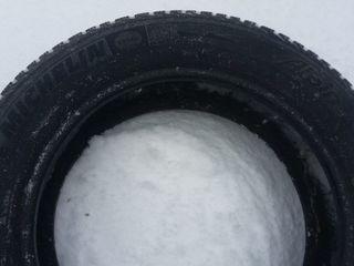 Vind 2 anvelope iarna Michelin Alpin 205/55/R16 în stare buna!!!