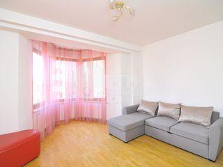 Apartament cu 4 camere, într-un complex de elită de pe bd. Ștefan cel Mare, 1100 € !