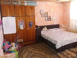Se vinde apartament cu o odaie in or.Hincesti