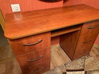 Макияжный/письменный стол, зеркало в раме из натурального дерева,