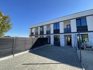 Townhouse 3 nivele cu terasă și priveliște superbă