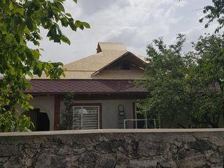 Строим крыши из мягкой кровли, металлочерепицы, профнастила