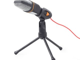 Микрофон на ножке