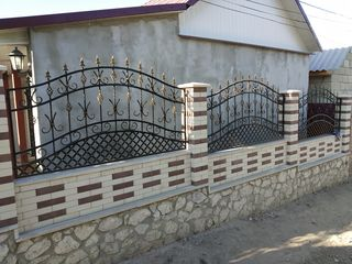 Garduri forjate - garduri cu profnastil - кованые заборы, заборы из профнастила с элементами ковки