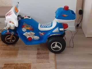 Электромобиль мотоцикл.