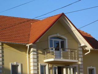 Мы бригада рабочих выполняем работы по утеплению фасадов частных домов пенопластом или минватой