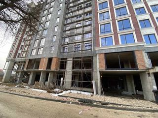 Продаем коммерческую недвижимость 583м2 в центре по ул. Аврам Янку / ул.Измаил! Панорамные окна!