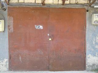 Продам два котельцовых гаража рядом друг с другом на Чеканах в ГСК 9