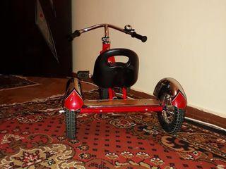 Tricicleta Schwinn .