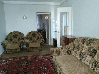 In chirie apartament spatios cu 2 odai. Super conditii. Zona buna. Buiucani str.Alba Iulia, Flacara.