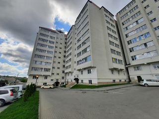 Vând apartament cu 2 camere, variantă albă, în or. Ialoveni.