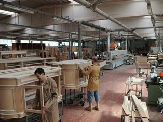 Spatii pentru producerea vanzarea mobilei Цех для производства и продажи мебели