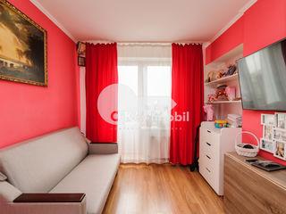 Apartament mansardă, euroreparație, zonă verde, Buiucani !
