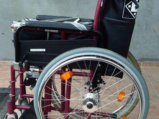 Инвалидная коляска почти новая.