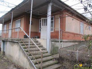 1 этажный котельцовый дом 90 кв.м. на 8 сотках земли, в центре с. Бардар