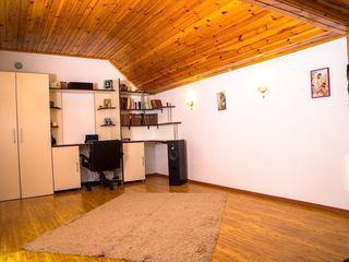 Apartament cu 3 camere la cheie