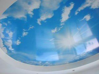 натяжные потолки: простые и сложные,классические и эксклюзивные.