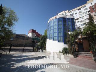 Comercial! bd. Mircea cel Bătrân, prima linie, 260mp! 2200 euro/lună