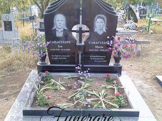 Monumente din granit, livrare si montare la orice cimitir din tara.
