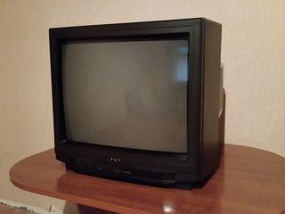 Продаю цветной телевизор б/у