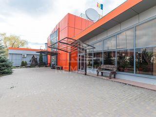 Se vinde spațiu comercial, or. Hâncești str. Chișinău, 350000 €