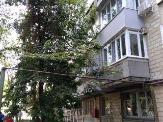 Продаётся 3х комнатная квартира на Ботанике в хорошем состоянии за 65000€