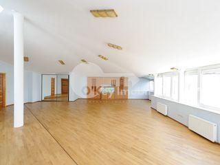 Penthouse, Centru, 325 mp, str. M. Eminescu, reparație euro, 2300 € !