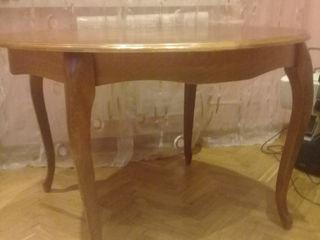 Натуральный дуб. Круглый стол. 3000 лей