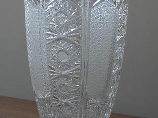 Большая хрустальная ваза